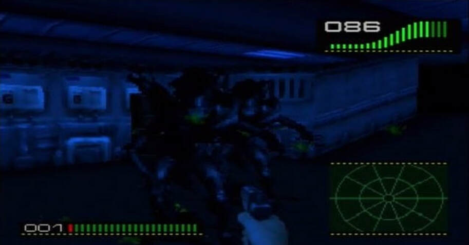 Alien Trilogy PlayStation PS1 Fighting a Xenomorph in a dark corridor